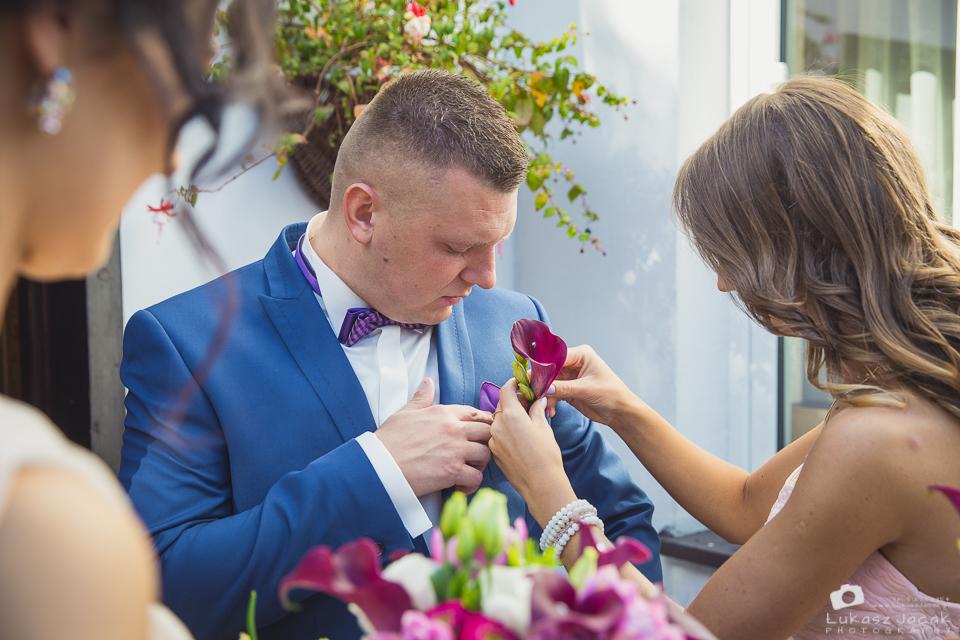 Zdjęcia ślubne wykonane przez Fotografa Slubnego w Tłuszczu