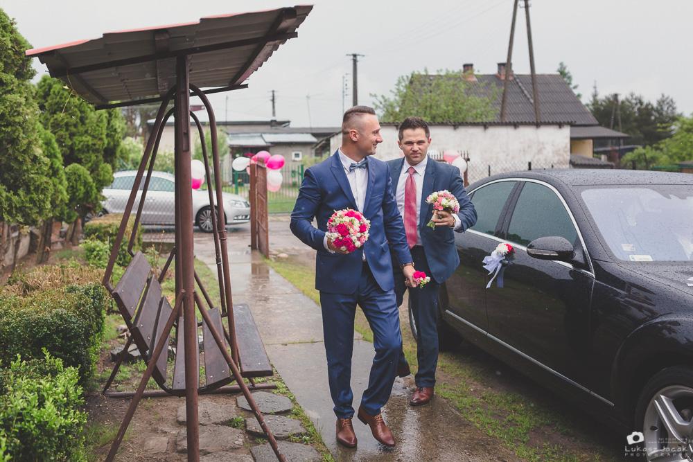 Fotografia ślubna Tłuszcz. Reportaż ślubny w Tłuszczu. Zdjęcia ślubne.