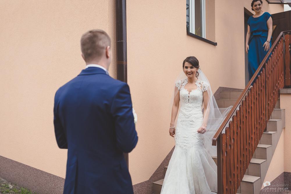 Reportaż ślubny w Otwocku. Zdjęcia ślubne Wioli i Grześka.