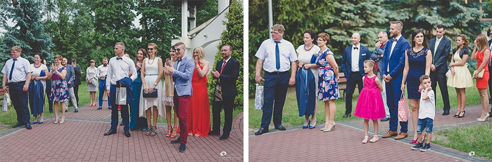 Goście weselni podczas reportażu ślubnego w Otwocku.