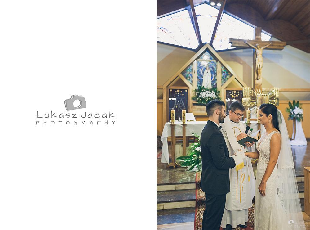 Państwo młodzi ślub parafia w Otwocku.
